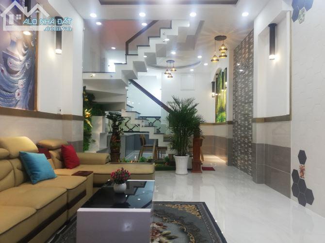 Nhà Phố Gò Vấp tuyệt đẹp, full nội thất, tiện nghi sang trọng Giá 5.55 tỷ