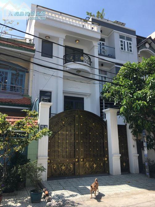 Cần bán căn nhà ở đường Song Hành; Q2; Giá 4tỷ5