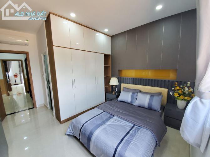Bán gấp nhà mặt tiền đường Lê Văn Khương chỉ 5,5 tỷ